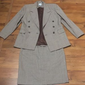 Skirt suit by Focus 2000
